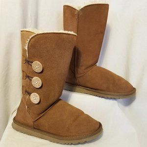UGG Bailey Button Triplet Boots Chestnut Size 9